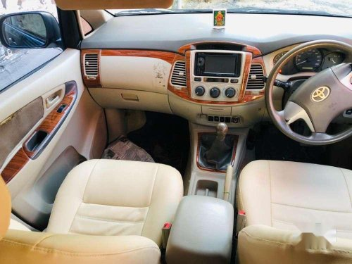 Toyota Innova 2.5 GX 8 STR 2012 MT in Pondicherry
