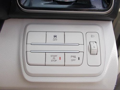 Used 2020 Mahindra XUV300 MT for sale in Mumbai