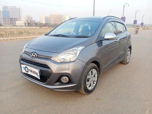 Hyundai i10 Sportz 2016 MT for sale in Lucknow