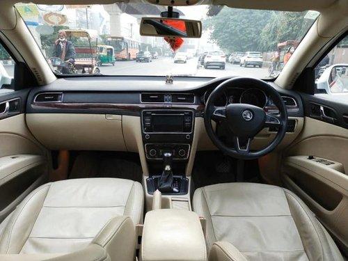 Skoda Superb Ambition 2.0 TDI CR AT 2014 AT in New Delhi