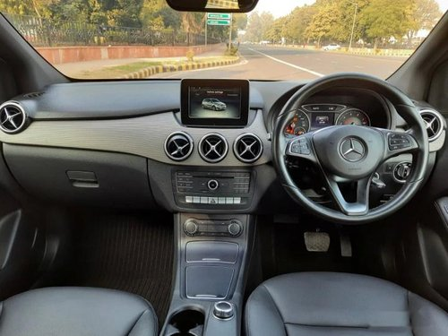 Used 2017 Mercedes Benz B Class AT for sale in New Delhi -5