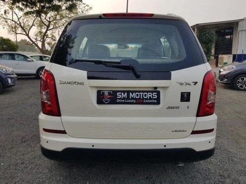 2014 Mahindra Ssangyong Rexton RX7 AT in Ahmedabad