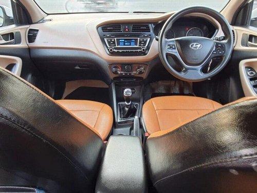 Used Hyundai i20 1.4 Sportz 2017 MT in Ahmedabad