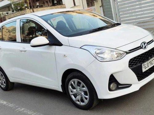 Hyundai i10 Magna 2017 MT for sale in Ahmedabad