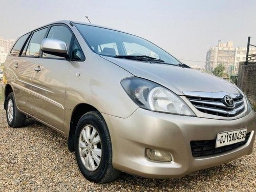 Used 2011 Toyota Innova MT for sale in Surat -11