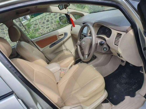 Used Toyota Innova 2008 MT for sale in Thane