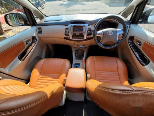 Toyota Innova 2014 MT for sale in Mumbai