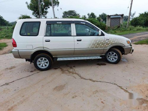 Chevrolet Tavera 2014 MT for sale in Ahmedabad
