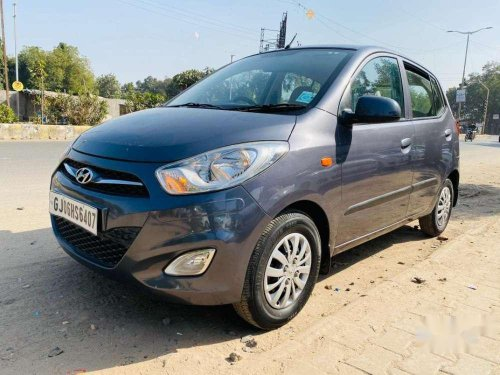 Used 2015 Hyundai i10 Sportz MT for sale in Vadodara
