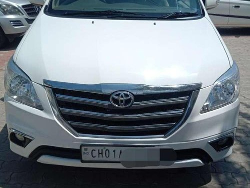 Toyota Innova 2014 MT for sale in Chandigarh