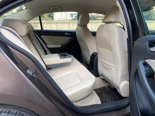 Used 2015 Volkswagen Jetta 2013-2015 AT for sale in New Delhi