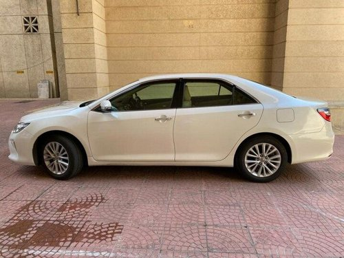 Used 2016 Toyota Camry AT for sale in Mumbai