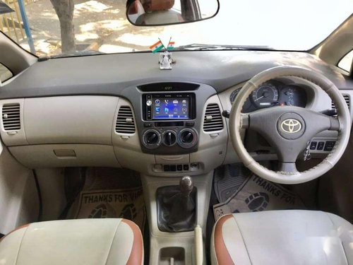 Toyota Innova 2.5 G4 Diesel 8-seater 2011 MT in Mumbai
