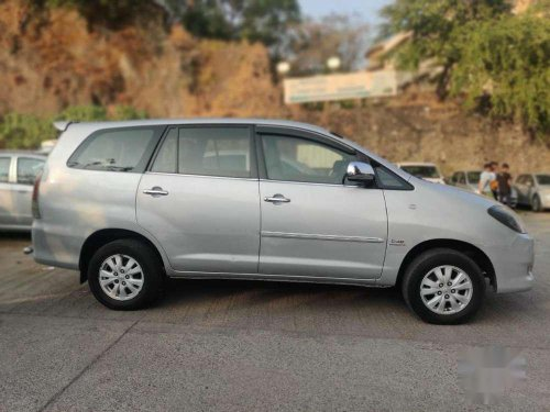 2010 Toyota Innova MT for sale in Mumbai-11