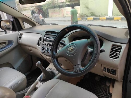 Used Toyota Innova 2.5 GX 8 STR 2010 MT for sale in Hyderabad