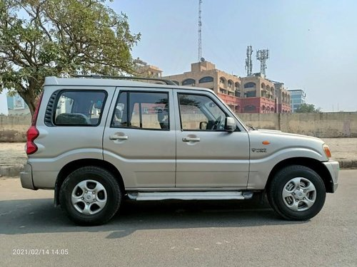 Used 2011 Mahindra Scorpio MT for sale in New Delhi -9