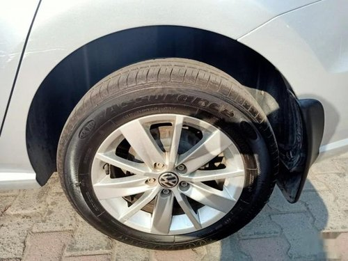 Used Volkswagen Ameo 1.5 TDI Highline 2016 MT in New Delhi -9
