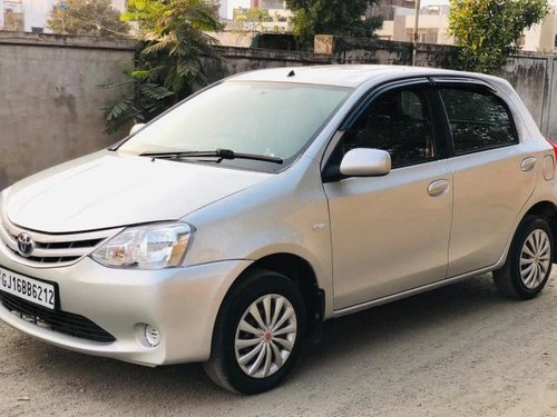 Used Toyota Etios Liva G 2011 MT for sale in Surat -8