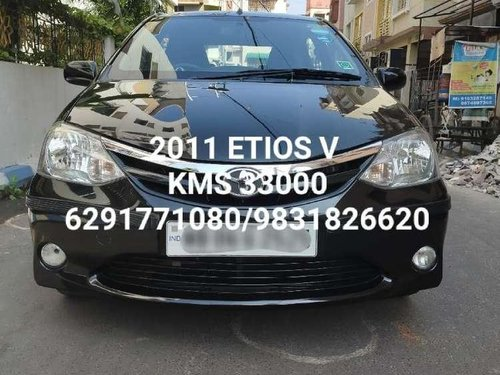 Used 2011 Toyota Etios MT for sale in Kolkata -7