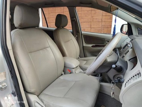 Used 2011 Toyota Innova MT for sale in Bangalore