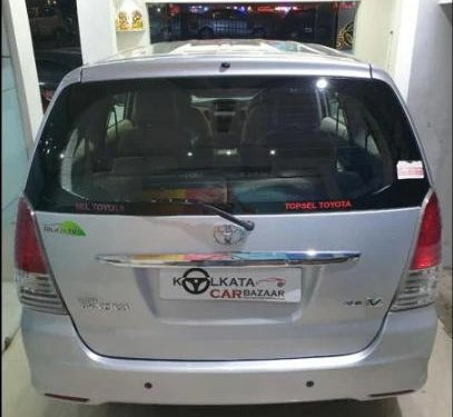 Used Toyota Innova 2010 MT for sale in Kolkata -5
