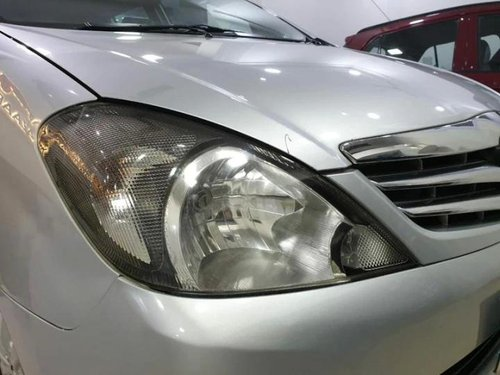 Used Toyota Innova 2010 MT for sale in Kolkata -7