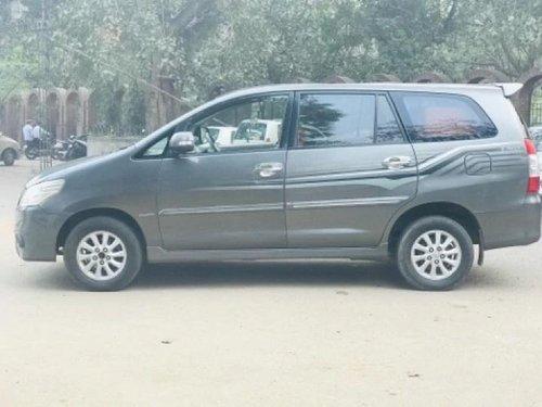 Toyota Innova 2012 MT for sale in New Delhi