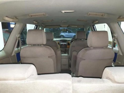 Used Toyota Innova 2010 MT for sale in Kolkata -2