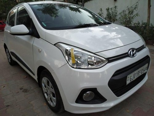 Hyundai i10 Magna 2014 MT for sale in Ahmedabad