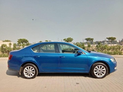 Used 2014 Octavia Ambition 2.0 TDI MT  for sale in Ahmedabad